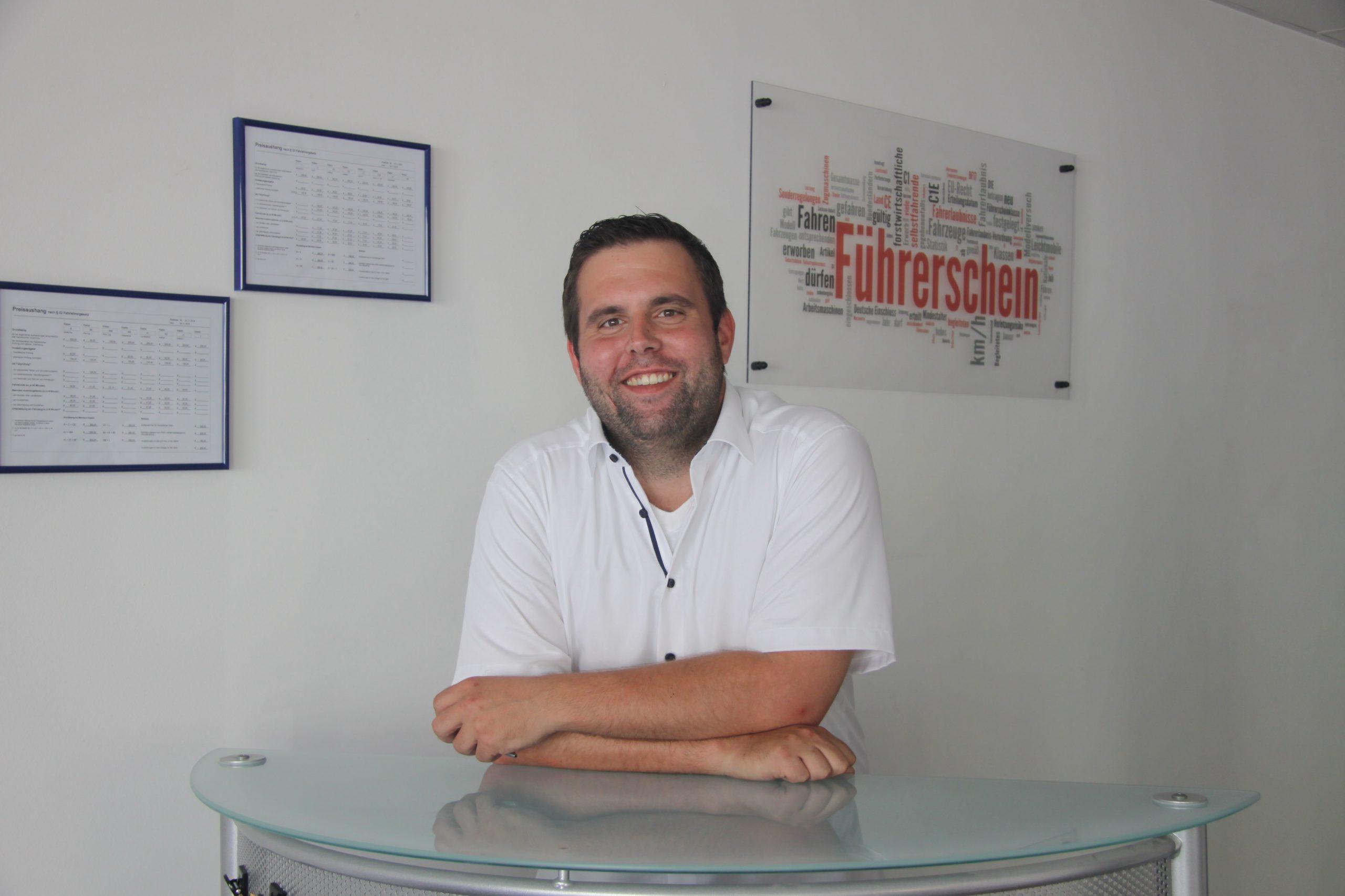 Christopher Heger (Inhaber der Fahrschule Chris in Meckesheim)